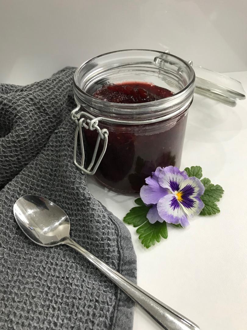 Stikkelsbær marmelade med vanilje og kanel