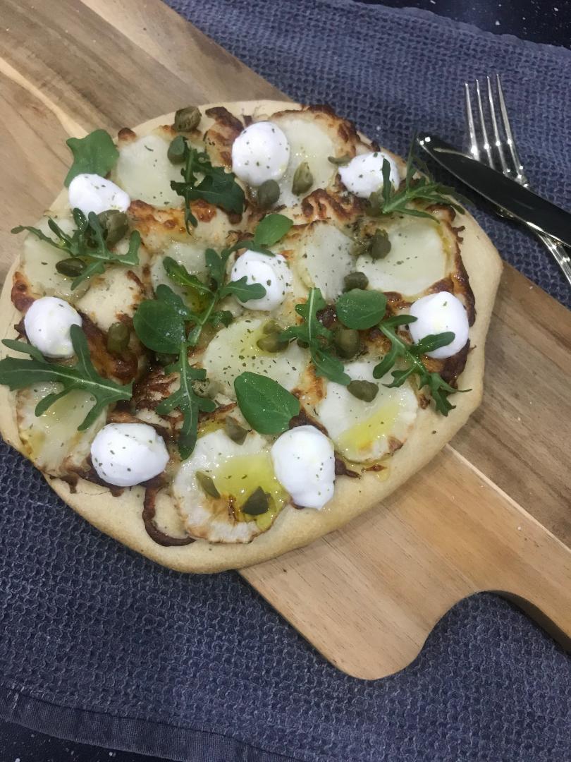 Sprød pizza med jordskokke