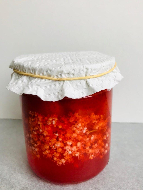 jordbær og hyldeblomst eddike