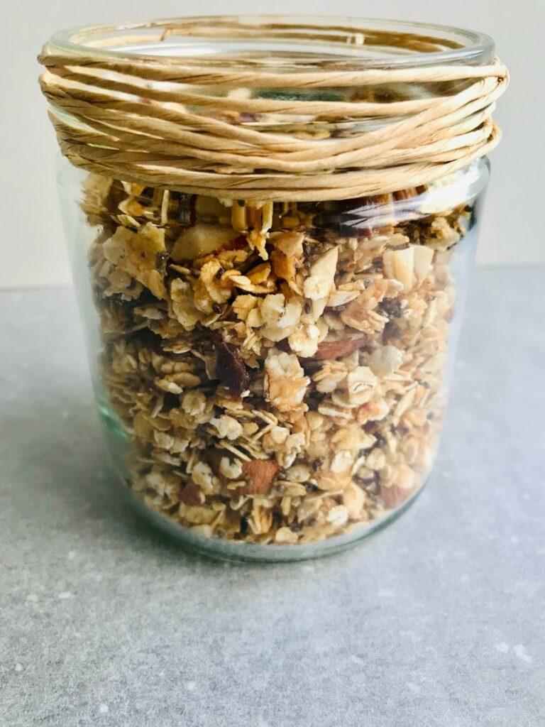 hjemmelavet mysli - sprød og lækker granola med chiafrø